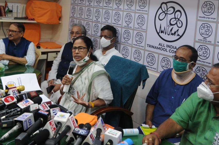 Khelenge, Ladenge, Jitenge: Mamata To Contest From Only Nandigram