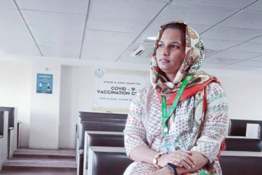 Meet The Only Trans-Woman Heading A Covid Vaccine Centre In India