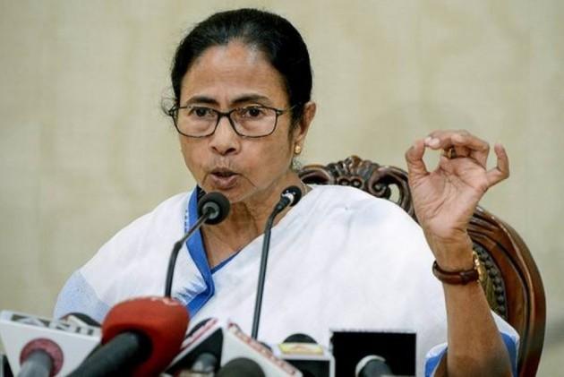 Mamata Banerjee Organises 'Padayatra' In Siliguri In Protest Against LPG Price Hike