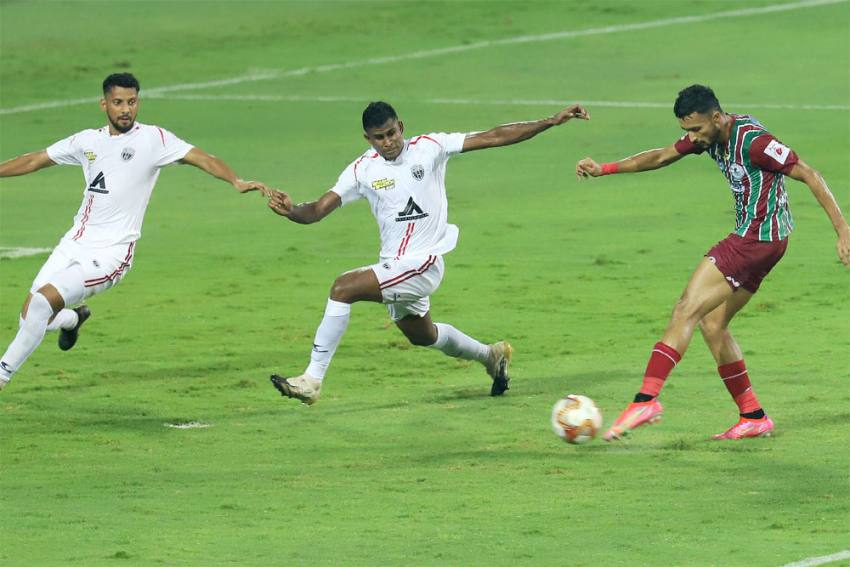 ISL 2020-21: ATK Mohun Bagan Beat NorthEast United To Set Up Final Date With Mumbai City