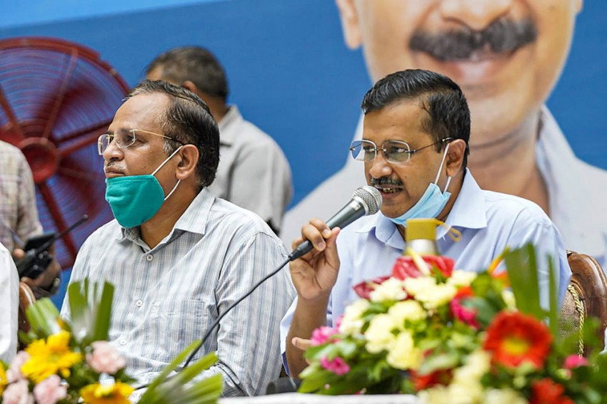 Covid Surge: Delhi CM Arvind Kejriwal To Hold 'Urgent' Meeting With Health Minister Tomorrow