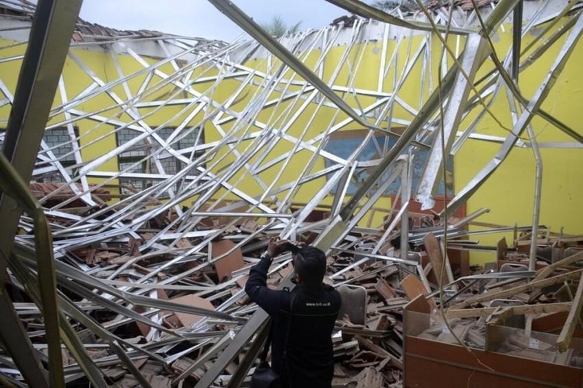 7 Killed, 2 Injured In Indonesia's Earthquake; No Tsunami Risk