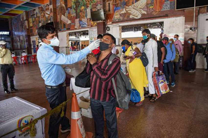 India Logs 1.61 Lakh New Covid-19 Infections, Active Cases Surge To 12.64 Lakh