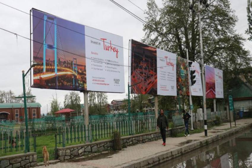 Mysterious 'Invest In Turkey' Hoardings Appear In Srinagar's Lal Chowk