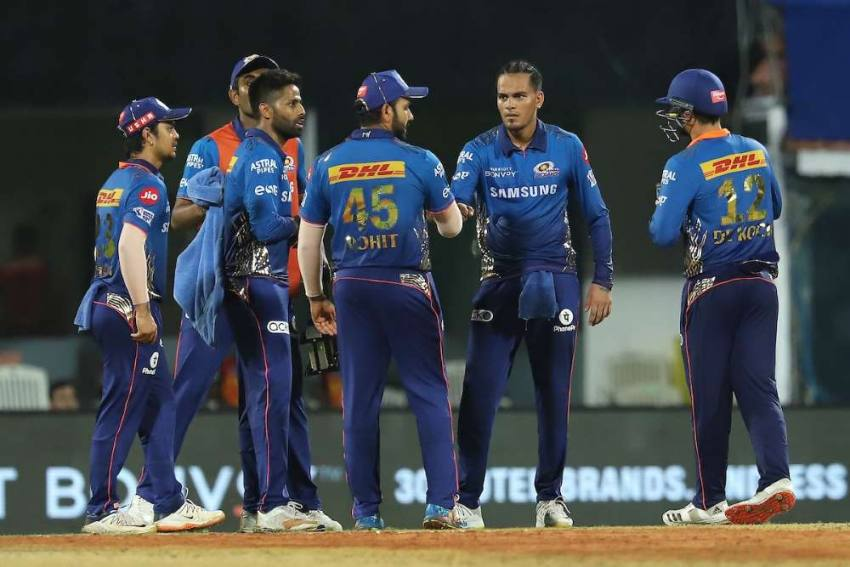 IPL 2021: Mumbai Indians Choke Sunrisers Hyderabad After Rahul Chahar, Trent Boult Run Amok- Highlights