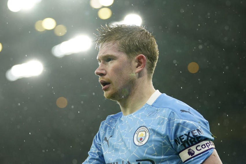 Kevin De Bruyne Hobbles Out Of Chelea-Manchester City FA Cup Semi-final