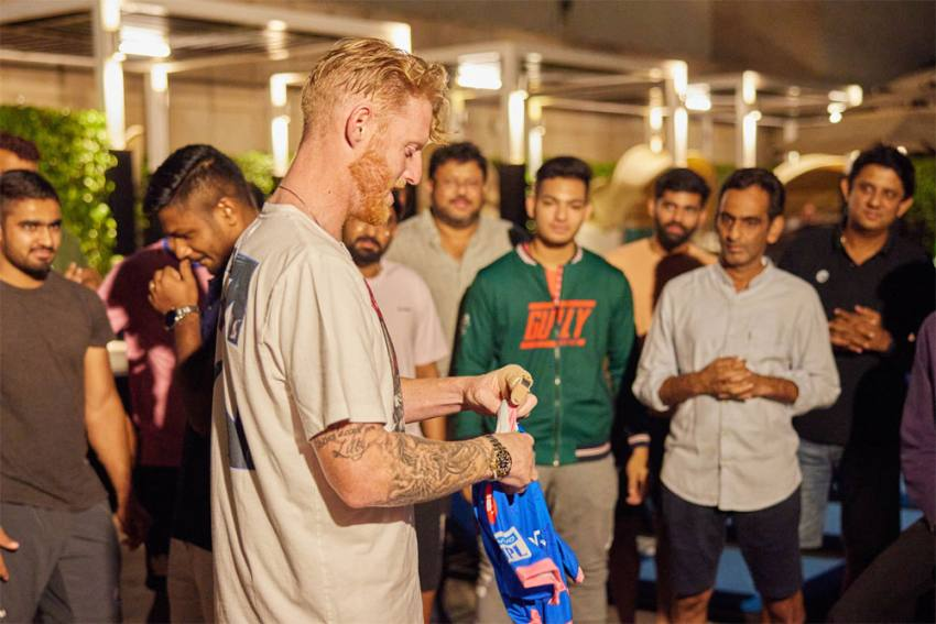 IPL 2021: Rajasthan Royals Gift Ben Stokes Jersey With Late Father's Name - VIDEO