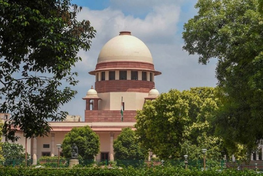 SC Stays Case On Merger Of Future Retail Ltd With Reliance Retail