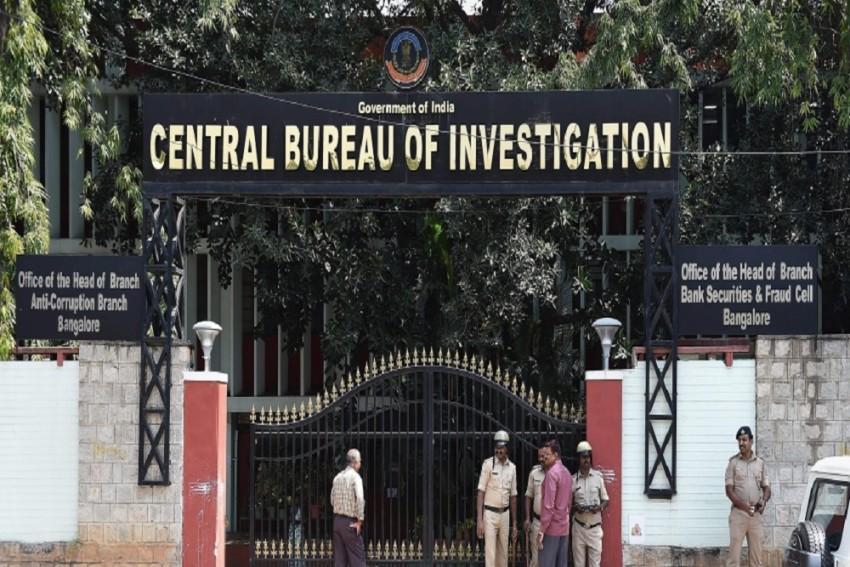 CBI Arrests 2 in Rs 72-Lakh Bribery Case Involving Top Govt Official