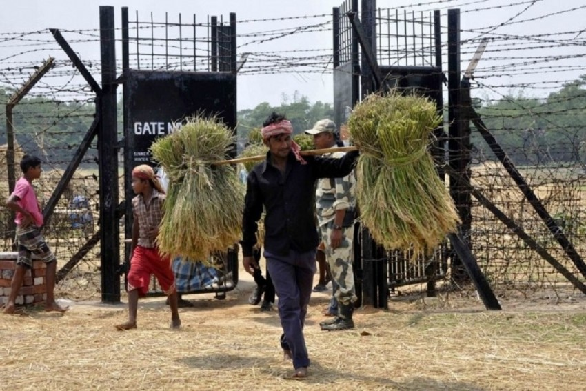 Assam Police Takes 14-Year-Old Rohingya Girl To Border For Deportation, Myanmar Refuses To Accept