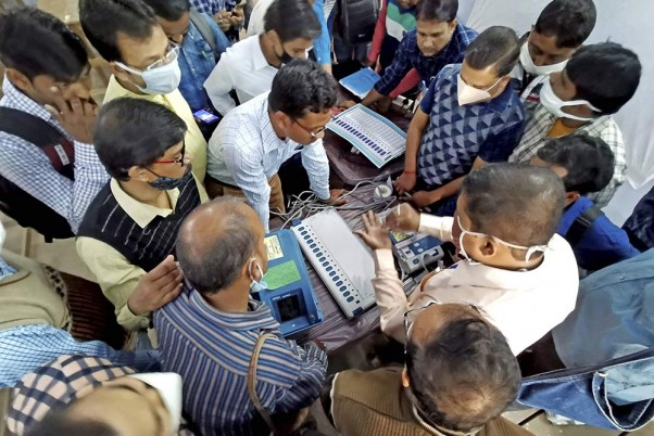 Assam Assembly Polls: Police Fire Rubber Bullets At Mob To Stop EVM Snatching, 2 Injured