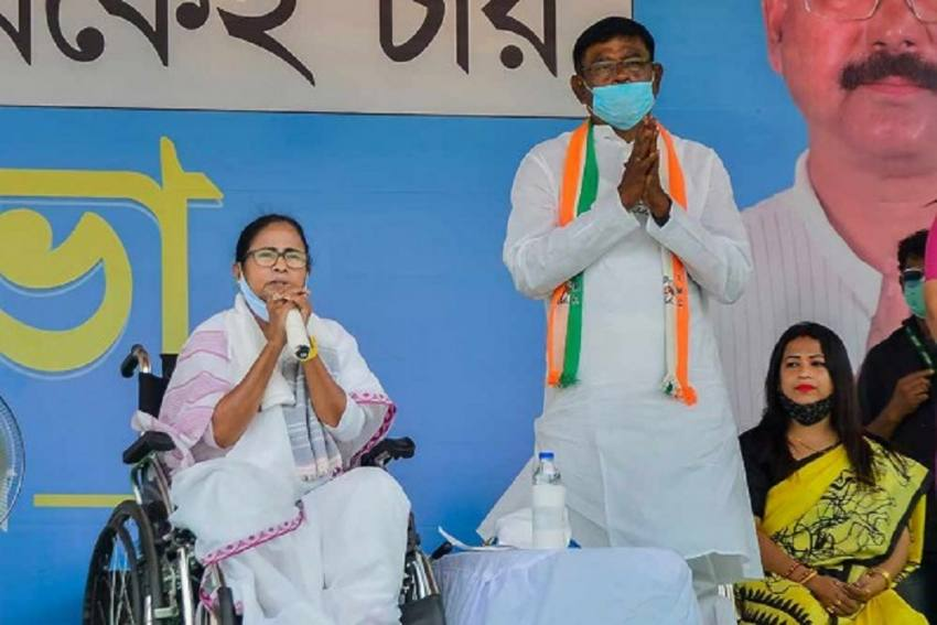 'Centre's New Covid-19 Vaccination Policy Is Hollow, Without Substance': Mamata Writes To PM