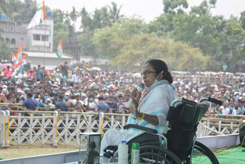 'Government Of Monumental Incompetence': Mamata Slams Centre Over Covid-19 Vaccines