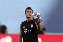 Bayern Munich Star Robert Lewandowski Returns From Injury Break, Targets Scoring Record