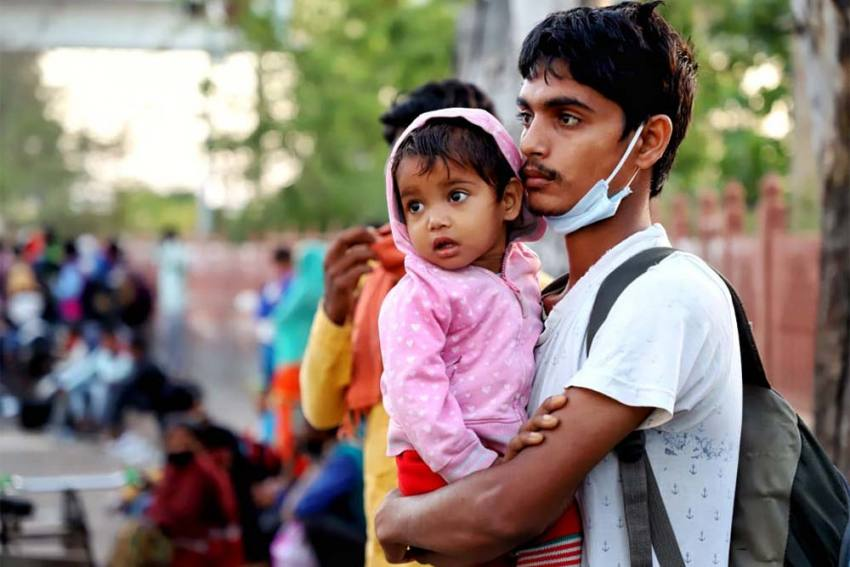 Delhi Government Forms A Committee For Aiding Migrant Workers Amid Week-Long Lockdown