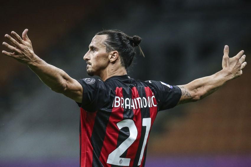 Zlatan Ibrahimovic Signs New One-year Milan Deal