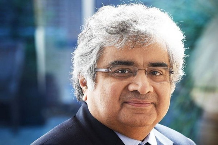 'Don't Want Hearing Under Shadow': Harish Salve Recuses As Amicus In SC's Covid Hearing