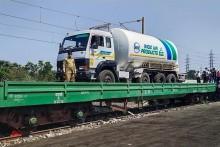 Four States Including Delhi Line Up For 'Oxygen Express'
