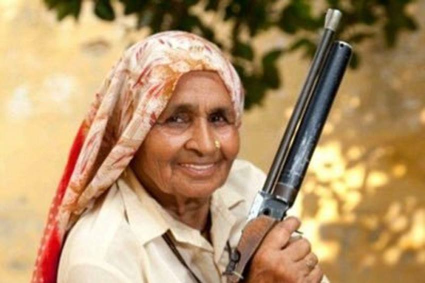'Shooter Dadi' Dies Of COVID-19: 'World's Oldest Sharp Shooter' Chandro Tomar Dead Days After Contracting Coronavirus