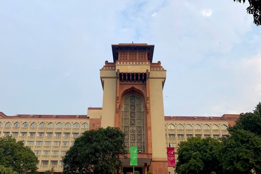 Delhi: 100 Rooms Of Ashoka Hotel To Be Used As Covid Facility For Justices, Families