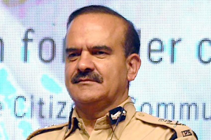 Mumbai: FIR Against Param Bir Singh, 26 Others, Based On Cop's Complaint