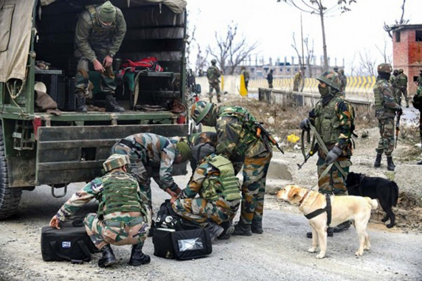 IED Defused In The Old City Srinagar, Explosives Recovered In Karnah