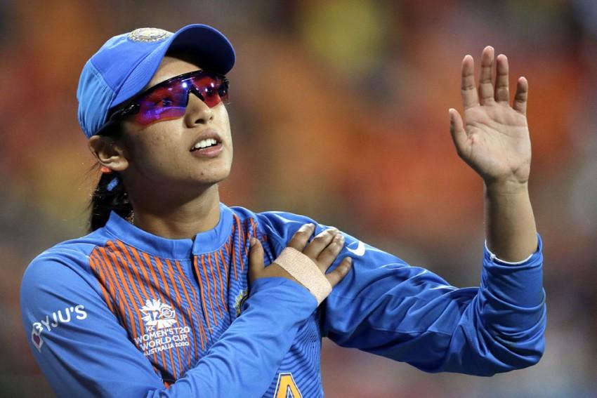 Smriti Mandhana Static But Shikha Pandey Returns To Top 10 In ICC Women's ODI Rankings