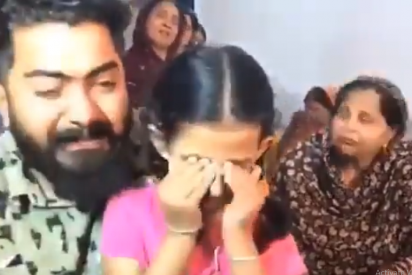 'Please, Release My Father', Daughter Of Kidnapped Commando Pleads To Naxals In Video
