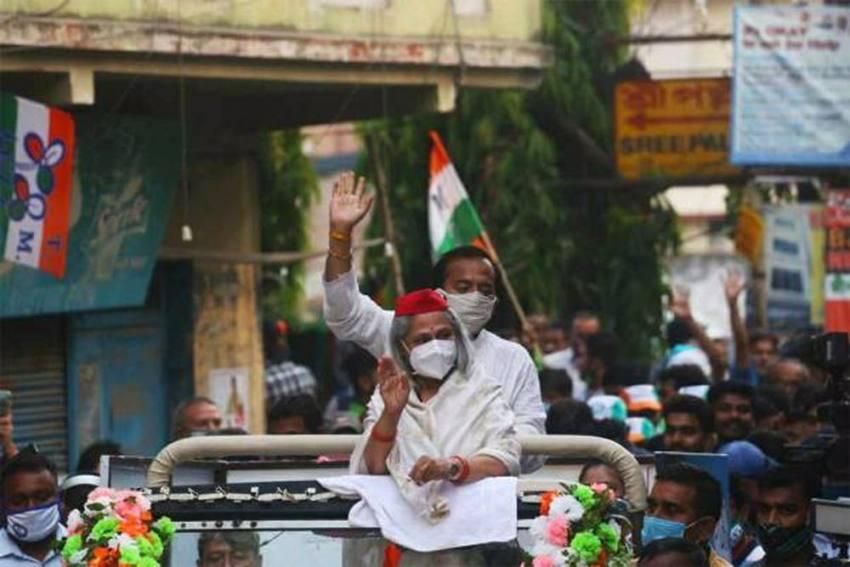 'Rude And Arrogant': Jaya Bachchan Gets Trolled After Pushing A Man In Roadshow; Watch