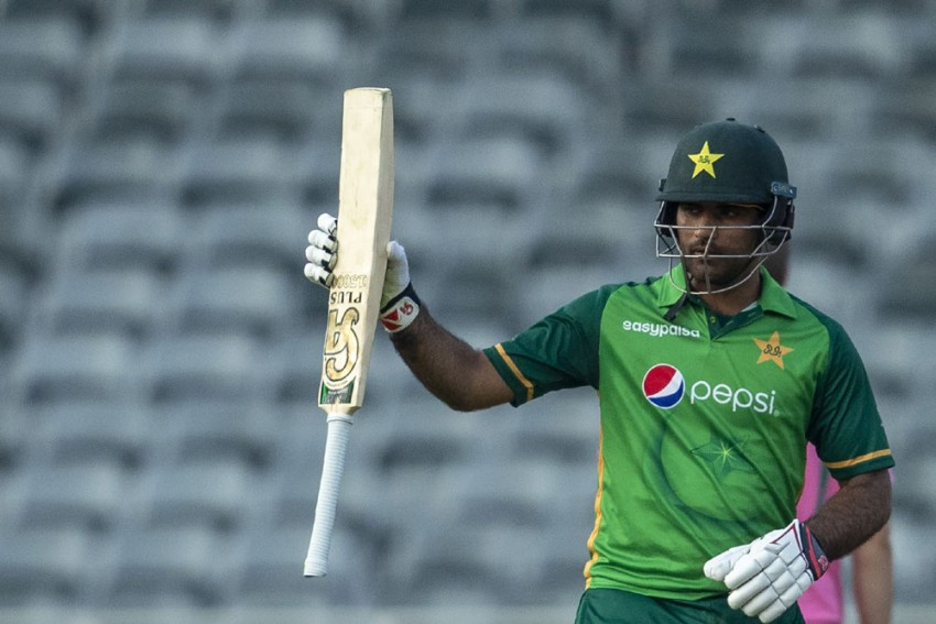 Fakhar Zaman Used Bat Gifted By Muhammad Hafeez In ODI Series Against South Africa