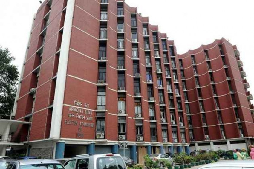 Election Commission Moves SC Over Madras High Court Remarks