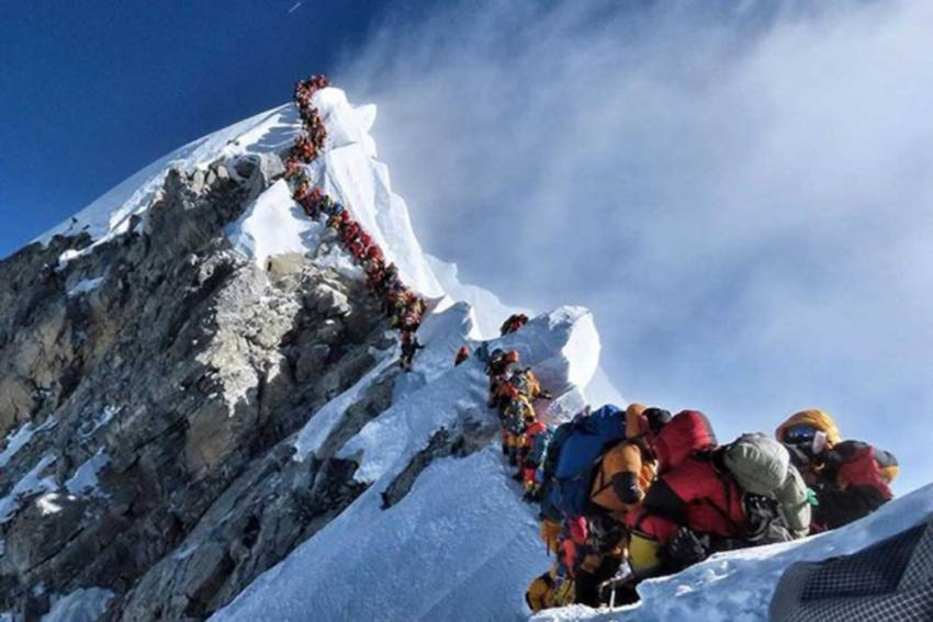 In A First, China To Draw 'Separation Line' On Mount Everest Peak To Contain Covid Spread