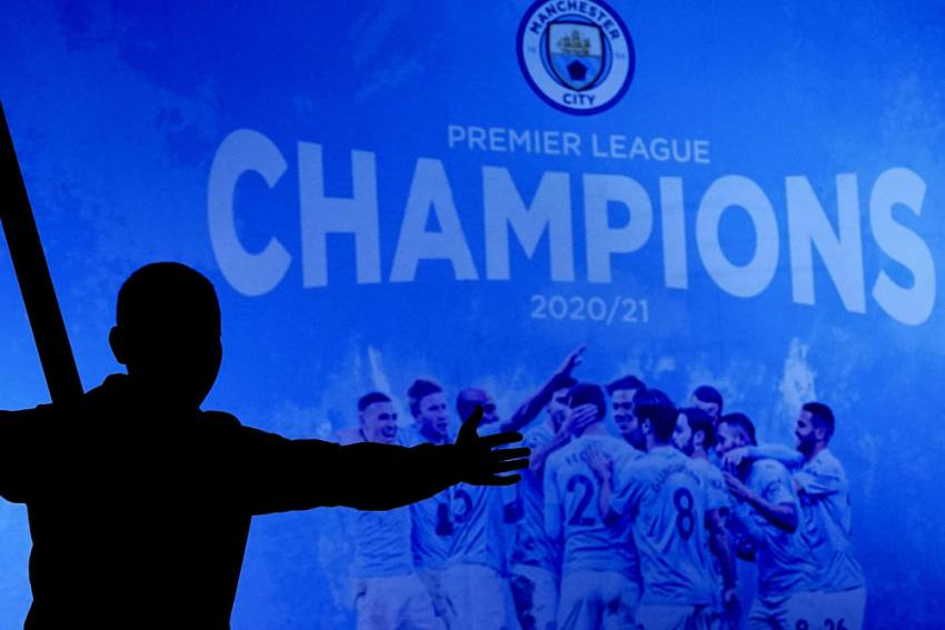 Manchester City Win Premier League After Leicester Beat Man United