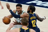 NBA: Giannis Antetokounmpo Dominates In Bucks Win Over Pacers, 76ers Miss Top Spot Chance Again