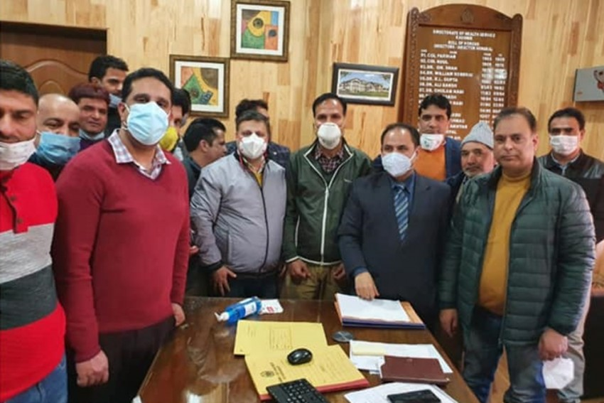 Kashmir Doctors' Panel Pushes For 'Plan' To Safeguard Staff After Death Of Three Doctors