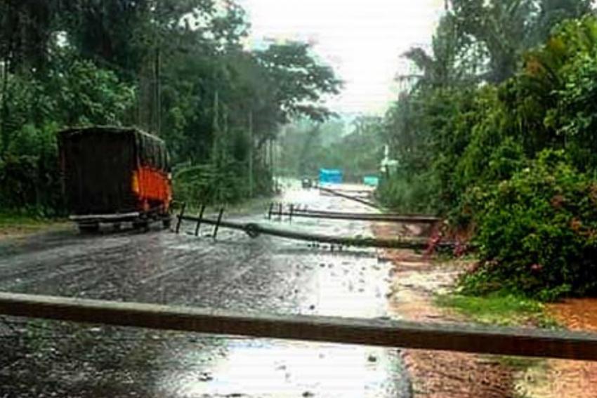 Cyclone Tauktae Wreaks Havoc In Karnataka: 4 Dead, 70 Villages Affected