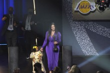 Kobe Bryant's Wife Vanessa Pays Tribute To NBA Legend At Basketball Hall Of Fame Induction