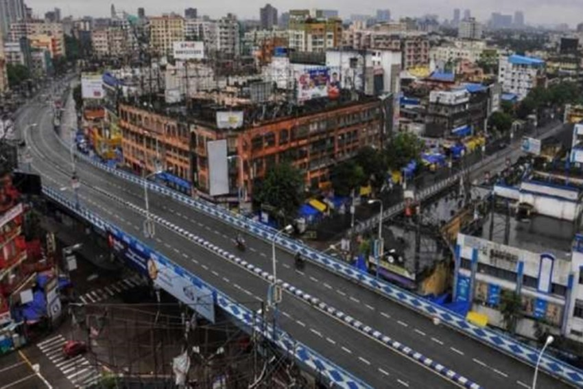 Bengal Goes Under Complete Lockdown: Empty Markets, Deserted Streets