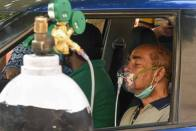 Meet Shahjahanpur's 'Cylinder Waali Bitiya', Who Is Helping Covid Patients With Free Oxygen