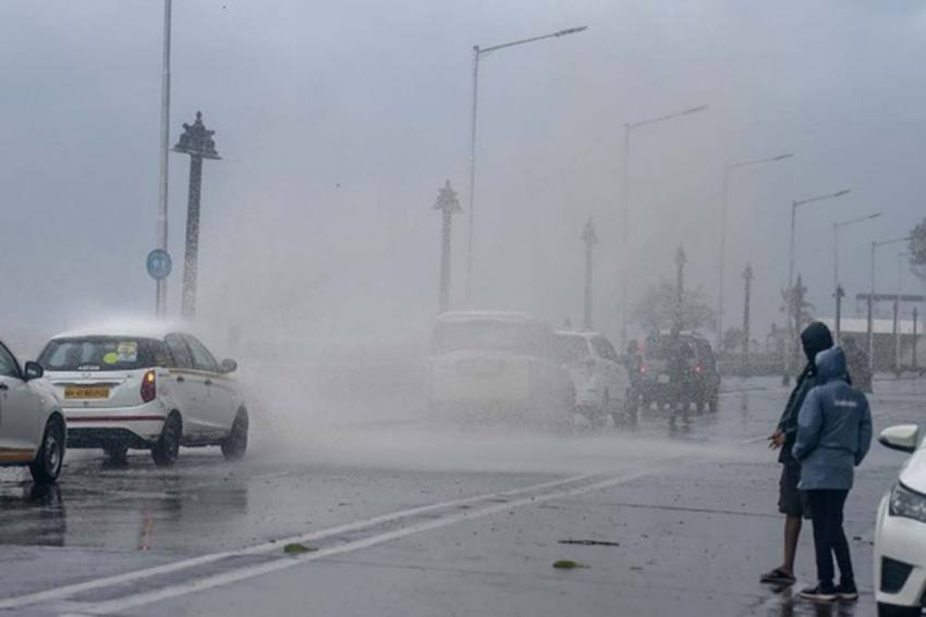 Mumbai Airport To Stay Closed Till 6pm Due To Cyclone Alert