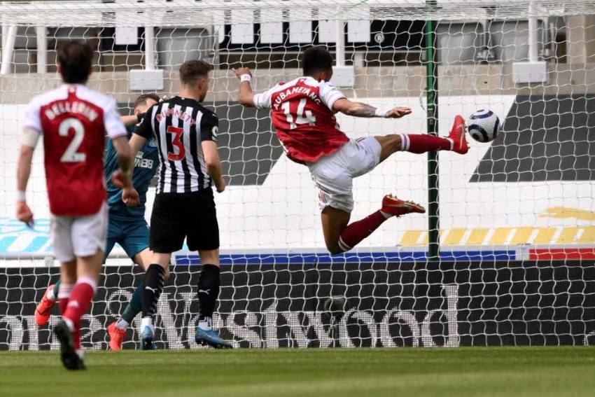 Newcastle United 0-2 Arsenal: Elneny And Aubameyang Seal Routine Win In Premier League