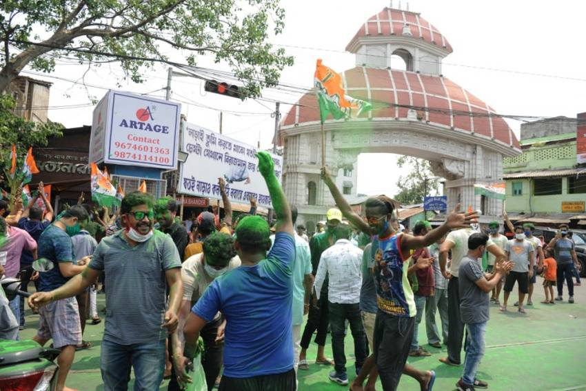 EC Orders FIR Over Celebratory Congregations In Anticipation Of Poll Victory