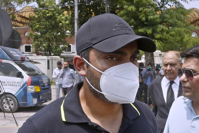 Umar Akmal Pays Fine To Pakistan Cricket Board, To Join Anti-Corruption Unit's Rehab Program