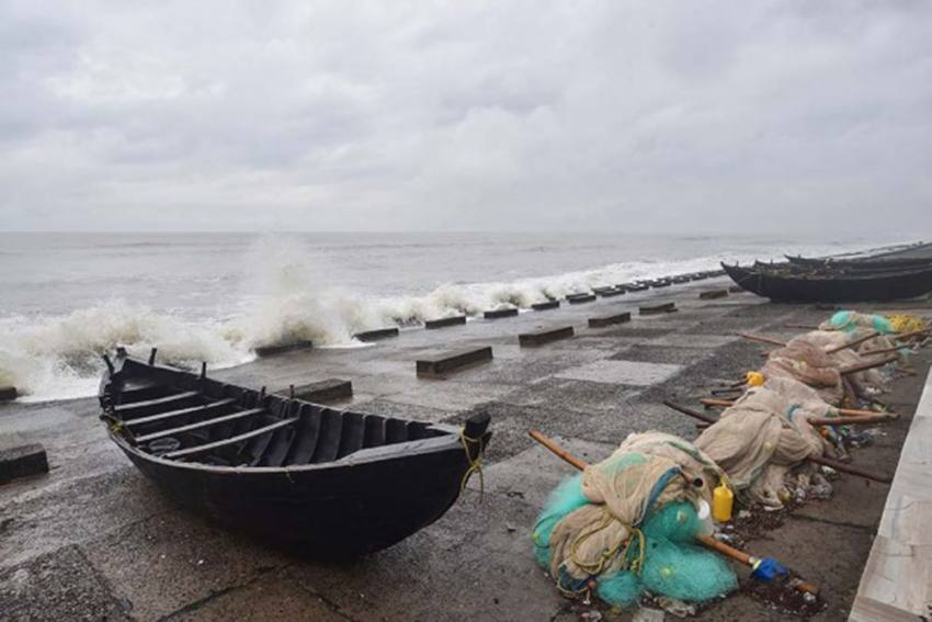 Cyclone Yaas Expected To Cross Odisha-West Bengal Coasts Today; 12 Lakh People Evacuated