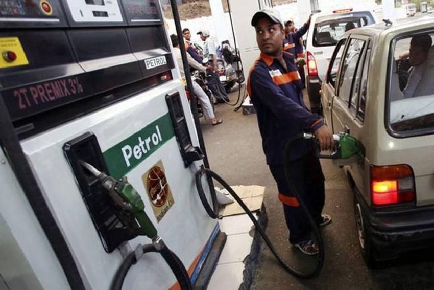 Petrol Price Crosses Rs 100 A Litre In Mumbai, Diesel Sells At Rs 92.17 Per Litre