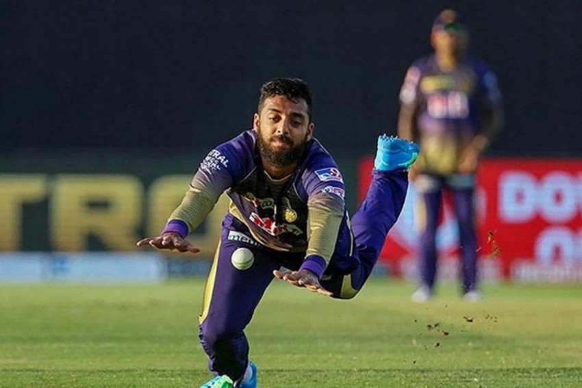 IPL 2021's List Of COVID-19 Hit Cricketers: Wriddhiman Saha Latest To Contract Virus After Varun Chakravarthy, Sandeep Warrier