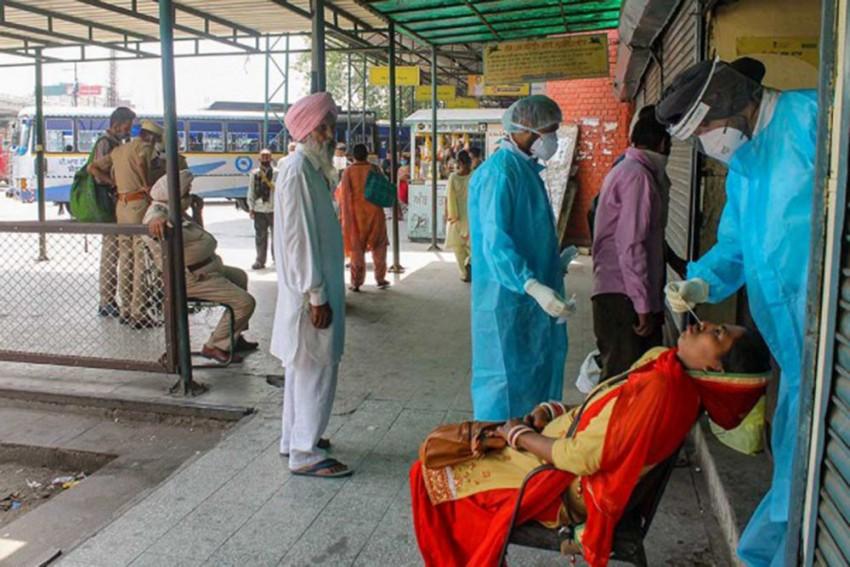 Delhi Logs A Record 448 Covid-19 Fatalities