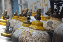 Delhi: 3 Held For Selling Painted Fire Extinguishers As Oxygen Cylinders