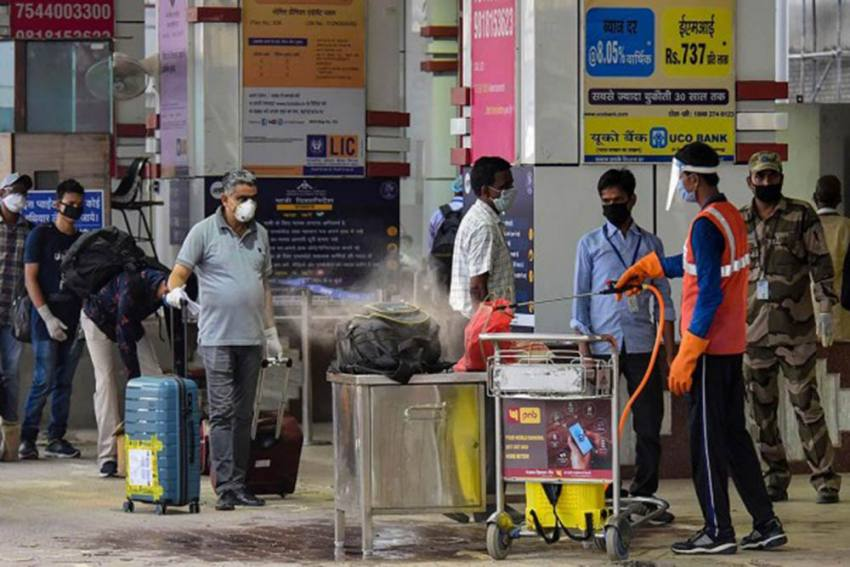 To Contain Spread Of New Covid Variants, Delhi Govt Orders Visitors From AP, Telangana To Quarantine