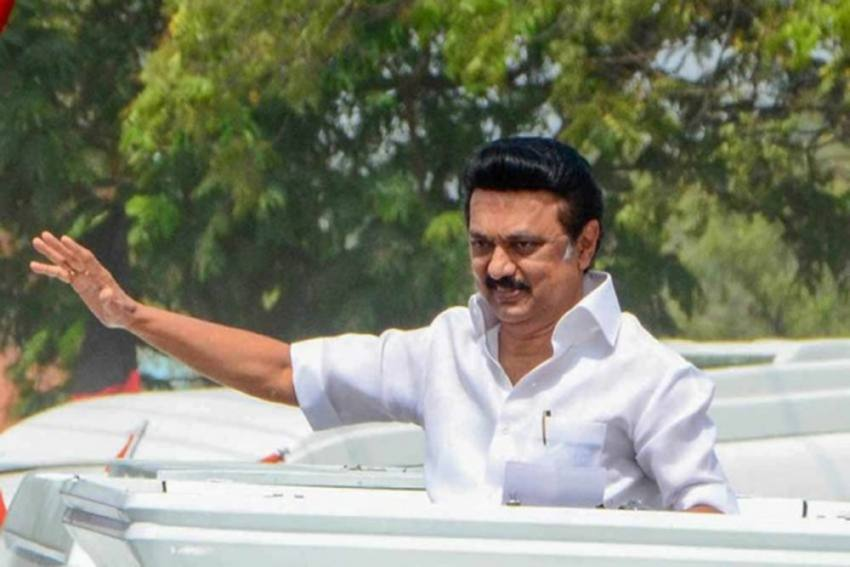 M.K. Stalin Takes Oath Along With Gandhi And Nehru